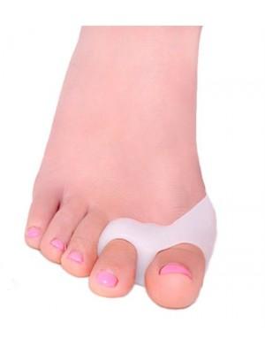 מפריד אצבע הבוהן בכף הרגל עם טבעות ומגן בוהן